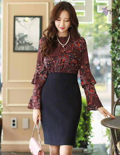 Paisley Print Frill Neck Double Flared Sleeve Dress