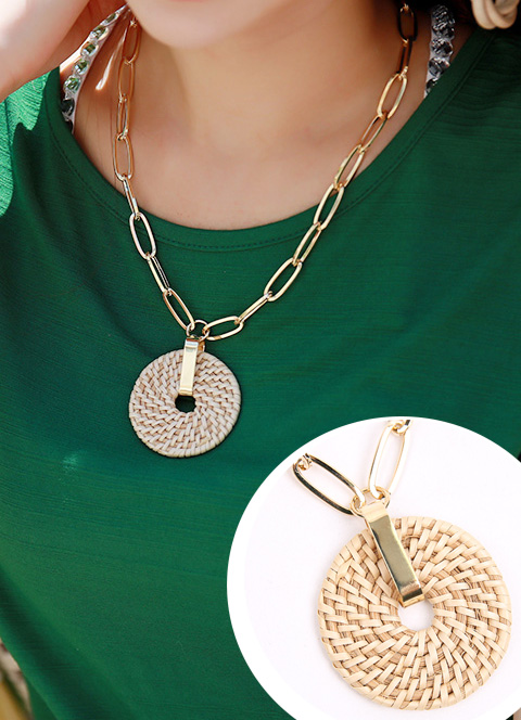 Round Wood Pendant Chain Necklace