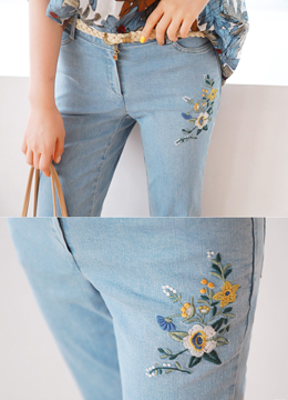 Flower Embroidered Light Blue Wash Boot-Cut Jeans, Styleonme
