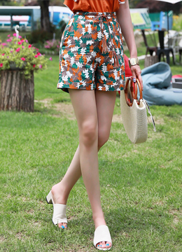 Abstract Leaf Print High-Waisted Shorts, Styleonme