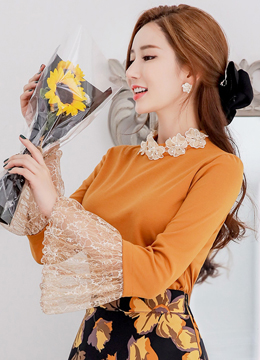 Flower Neckline Lace Bell Sleeve T-shirt, Styleonme