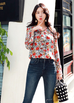 Red Floral Print Bell Sleeve Ruffle Blouse, Styleonme