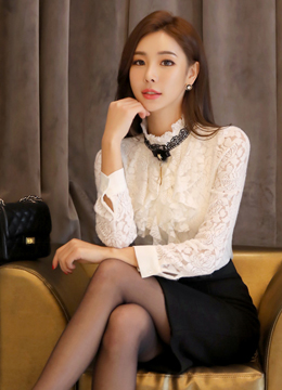 Rose Patterned Lace Brooch Set Ruffle Blouse, Styleonme