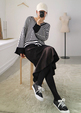 Pinstripe V-Neck Loose Fit Knit Sweater, Styleonme