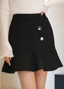 Pearl Decorative Button Ruffle Mini Skort, Styleonme