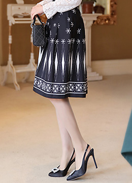 Antique Style Patterned Flared Skirt, Styleonme