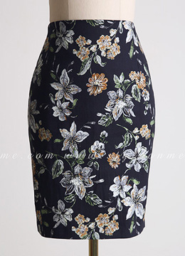 Artistic Floral Print H-Line Skirt, Styleonme