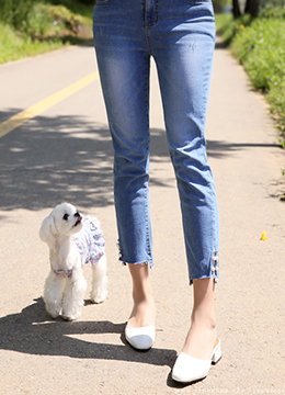 Side Slit Pearl Accent Blue Jeans, Styleonme