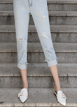 Boyfriend Fit Fold-Up Hem Ripped Jeans, Styleonme