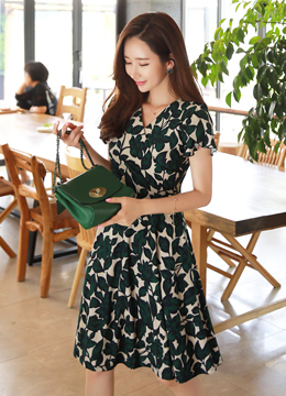 Leaf Print Tulip Sleeve Flared Dress, Styleonme