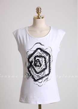 Lace Rose Motif T-shirt, Styleonme