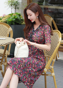 Floral Print V-Neck Flared Dress, Styleonme