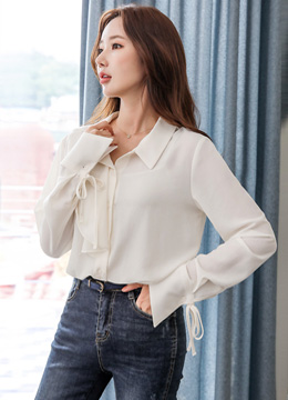 Brooch Set Ruffle Collared Blouse, Styleonme