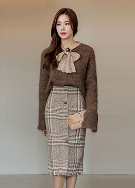 Gold Button Tweed H-Line Skirt, Styleonme