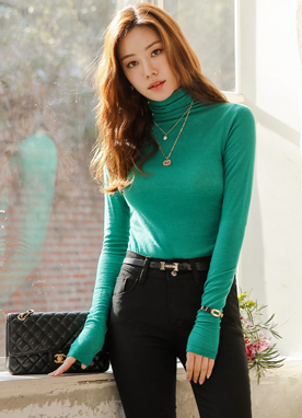 Wool Lightweight Turtleneck Tee, Styleonme