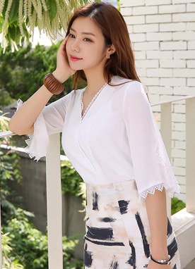 Button-Up Lace Trim V-Neck Blouse, Styleonme