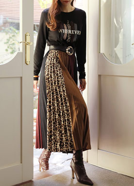Color Block Suede Pleated Long Skirt, Styleonme