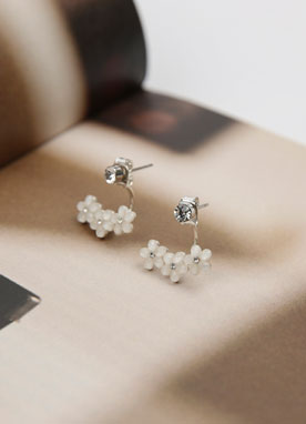 White Flower Motif Earrings, Styleonme