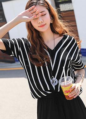斜線條紋V領蝙蝠袖針織T恤, Styleonme