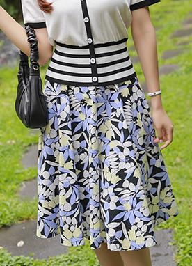 印花A字型喇叭長裙, Styleonme