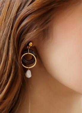 不對稱圓耳環, Styleonme
