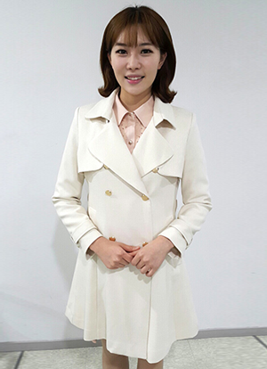 Elegant Mild Fit Trench Coat, Styleonme
