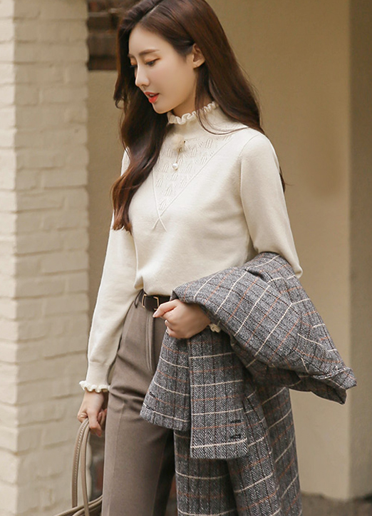 Aesthetic Frilled neck Jumper, 스타일온미