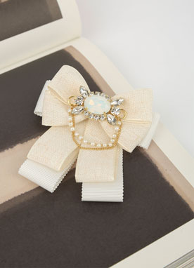 White Ribbon Cubic Brooch, Styleonme