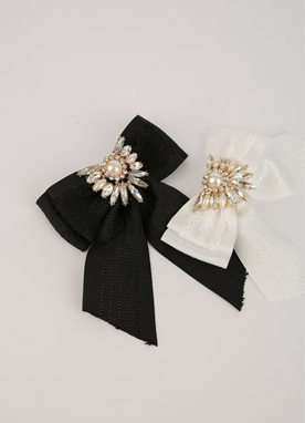 Cubic Ribbon Brooch, Styleonme