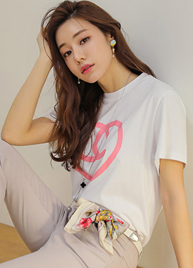 Color Pop Heart Design T-Shirt, Styleonme