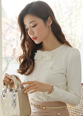 Ribbon Brooch Scallop Lace Trim T-Shirt, Styleonme