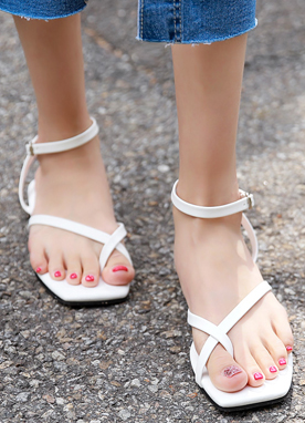 Thin Cross Strap Flat Sandals, Styleonme