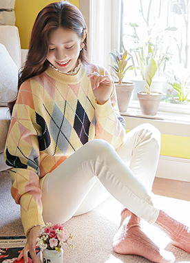 Argyle Pattern Round Knit in Pastel Colors, Styleonme