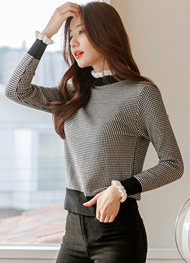 Chic Check Printed Mock Neck Frill Knit Top, Styleonme