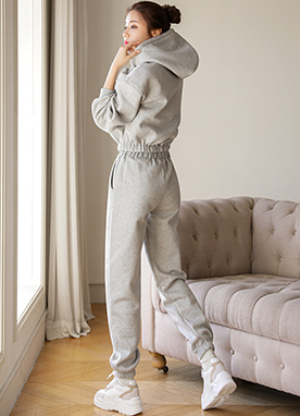 Fleece-lined Matching Crop Sweatsuit Set, Styleonme